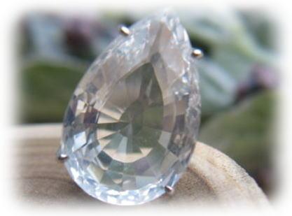K18 white しずく型クリア水晶ペンダントヘッド