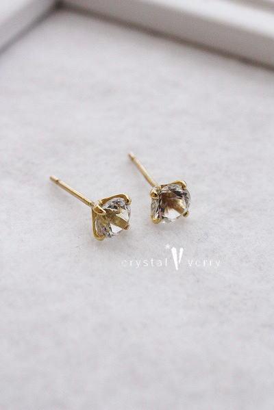 18金 イエローゴールド 大粒水晶ピアス
