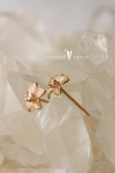18金 ピンクゴールド 水晶プルメリアピアス