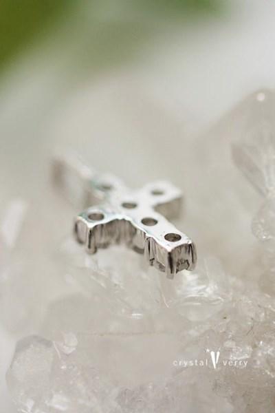 18金 ホワイトゴールド メレ水晶 クロスペンダントヘッド